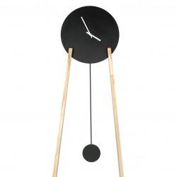 DOT_L zegar stojący w skandynawskim stylu