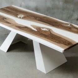 CONCORDIA stół drewniany z żywicą styl industrialny