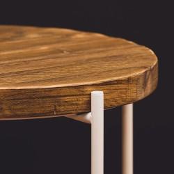 ANSGAR WHITE stolik z odzyskiwanych desek na białej ramie
