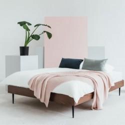 STREIKO minimalistyczne łóżko w stylu loftowym