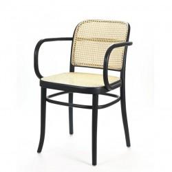 B-811 fotel drewniany z wyplatanym siedziskiem i oparciem w stylu vintage, polski design