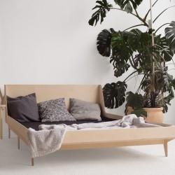 SNUG.DOUBLE łóżko ze sklejki w skandynawskim stylu
