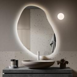 PLAMA NO.3 lustro podświetlane LED o organicznym kształcie